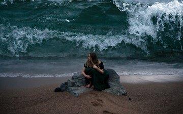 девушка, море, поза, пляж, волна, черное платье