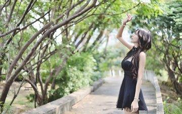девушка, брюнетка, улица, модель, азиатка, черное платье, длинные волосы, боке