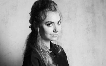 girl, smile, look, black and white, model, face, actress, imogen poots