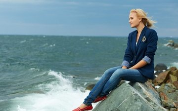 stones, girl, sea, pose, blonde, smile, model, jeans, surf, jacket, talia cherry