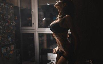 девушка, модель, комната, окно, татуировка, фигура, позирует
