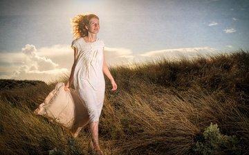 трава, природа, девушка, настроение, поза, подушка, рыжеволосая, eric raiber