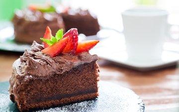 клубника, шоколад, сладкое, торт, десерт, кусочек