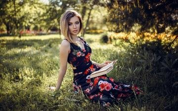 grass, girl, dress, blonde, look, model, face, book, daria, hakan erenler
