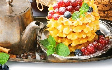 корица, зерна, кофе, ягоды, черника, завтрак, чайник, печенье, красная смородина, поднос, вафли