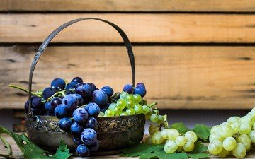 leaves, grapes, table, berries, basket, bunches