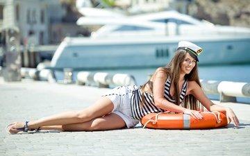 девушка, поза, улыбка, лето, лежит, модель, руки, морячка, круг спасательный