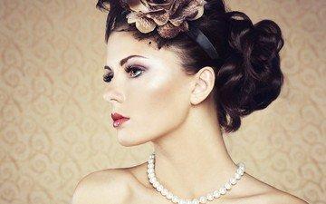 цветы, девушка, брюнетка, профиль, плечи, макияж, прическа, украшение, ожерелье, жемчуг