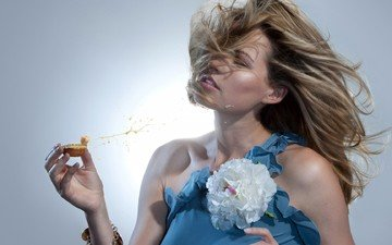 цветок, брызги, волосы, лицо, ветер, мед