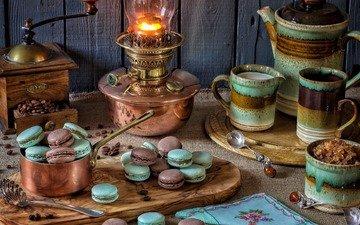стиль, лампа, стол, кружка, чайник, сахар, печенье, натюрморт, кофемолка, макаруны