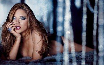 девушка, брюнетка, модель, кольца, адриана лима, длинные волосы, лежа