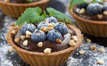 мята, орехи, ягоды, десерт, пирожное, голубика, тарталетка