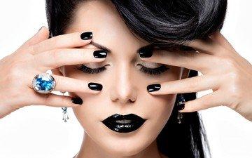 фон, модель, кольцо, волосы, руки, макияж, прическа, закрытые глаза