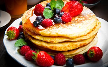 raspberry, strawberry, berries, blueberries, breakfast, honey, pancakes