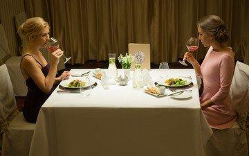 еда, стол, девушки, tracy lindsay, трапеза, whitney conroy