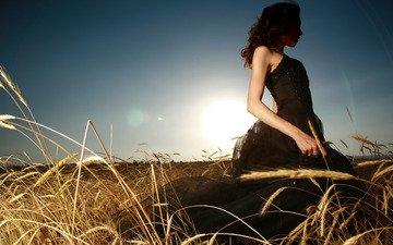небо, солнце, девушка, платье, поле, луч, модель, колосья
