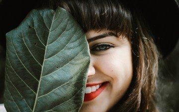 девушка, портрет, лист, лицо, макияж, помада, шляпа