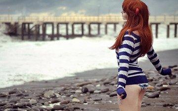 море, пляж, пирс, рыжеволосая, девущка