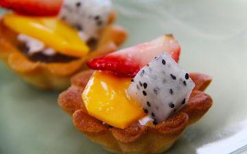 фрукты, клубника, ягоды, десерт, тарталетки, манго, питайя
