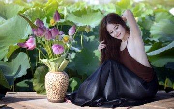 цветы, бутоны, листья, девушка, брюнетка, юбка, топ, доски, браслет, ваза, азиатка, украшение, лотосы