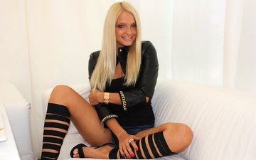blonde, smile, look, sofa, knee, ekaterina koba