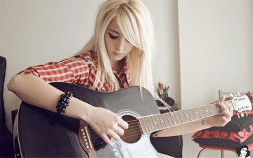 blonde, guitar, music, look, tattoo, bracelet, shirt, bessy