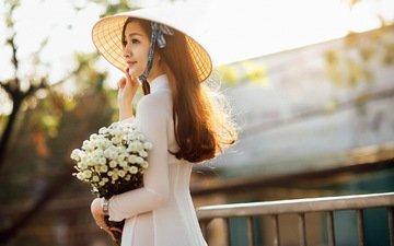 цветы, платье, улыбка, модель, профиль, букет, шляпа, азиатка