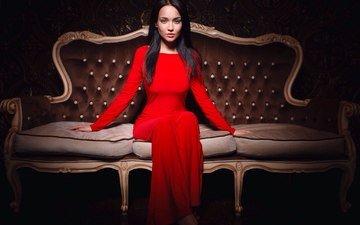 девушка, интерьер, подушки, брюнетка, сидит, фигура, диван, красное платье, ангелина петрова