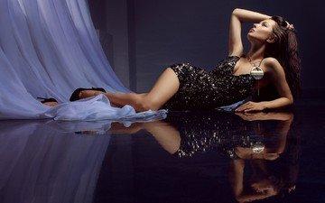 девушка, отражение, пол, ножки, фигура, черное платье, юлия волкова, яков мищенко, james milano