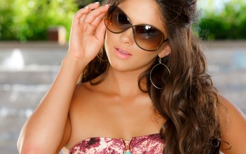 girl, brunette, look, model, hair, face, curls, earrings, sunglasses, aspen rae