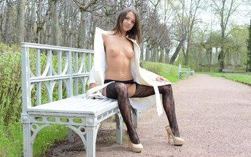 девушка, парк, модель, сидит, грудь, лавочка, голая, эротика, foxy di, nensi b, medina u