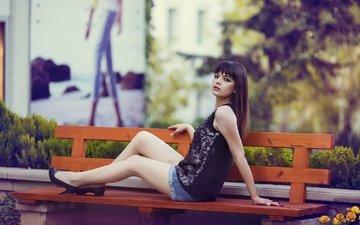 девушка, взгляд, сидит, волосы, скамейка, лицо