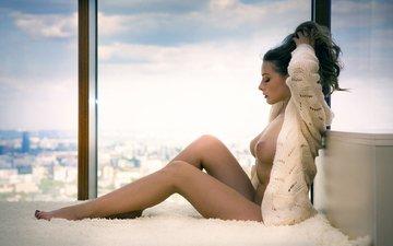 девушка, поза, модель, кофта, окно, позирует, обнаженная