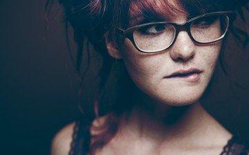 девушка, портрет, взгляд, очки, лицо, веснушки, рыжеволосая