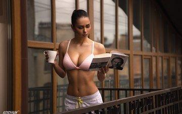 девушка, брюнетка, модель, кружка, балкон, книга, бюстгальтер, helga lovekaty, алексей коршун