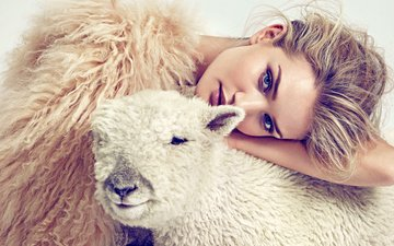 girl, model, face, makeup, sheep, rosie huntington-whiteley, lamb