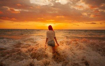 облака, восход, девушка, море, пляж, горизонт, попа, джинсовые шорты