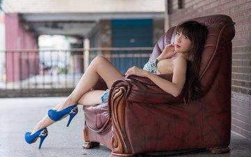 девушка, взгляд, ножки, лицо, кресло, каблуки, азиатка