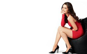 девушка, улыбка, взгляд, ножки, волосы, лицо, актриса, каблуки, красное платье, шраддха капур