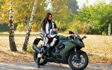 лес, девушка, брюнетка, взгляд, осень, шлем, модель, костюм, мотоцикл, юлия