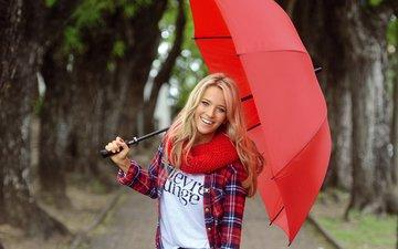 девушка, парк, блондинка, улыбка, взгляд, волосы, зонт, лицо, зонтик