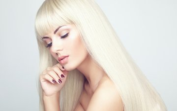 девушка, блондинка, взгляд, волосы, лицо, макияж, маникюр