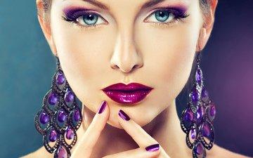 девушка, взгляд, модель, лицо, макияж, помада, губки, сёрьги, маникюр