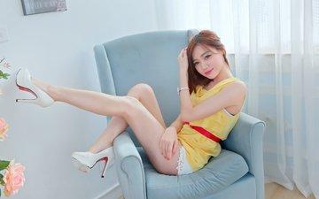 глаза, девушка, сидит, кресло, руки, азиатка