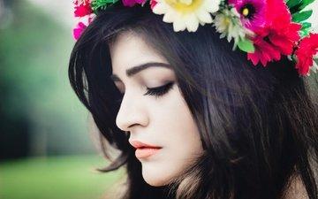 девушка, брюнетка, модель, профиль, губы, лицо, актриса, макияж, закрытые глаза, критика хурана