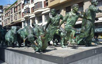 здание, статуя, памятник, испания, скульптура, мемориал, булл, памплона