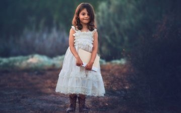 look, children, girl, hair, face, child, twilight, book, white dress, edie layland