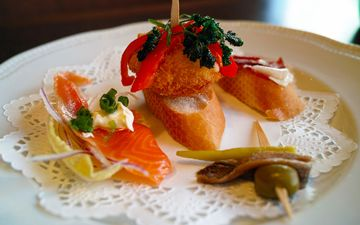 napkin, appetizer, salmon, canapés, asian cuisine, pintxos