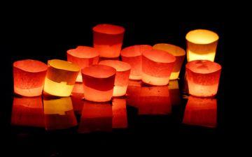 свет, огни, свечи, настроение, отражение, цвет, черный фон, свечки
