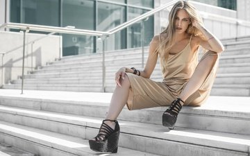 лестница, ступеньки, девушка, взгляд, модель, ножки, волосы, лицо, manthos tsakiridis